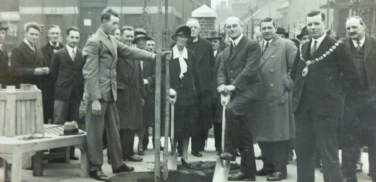Alfred Salter, planting a Tree of Heaven at the opening of the Tanner Street playground, May 1929 © Southwark Local History Library and Archive